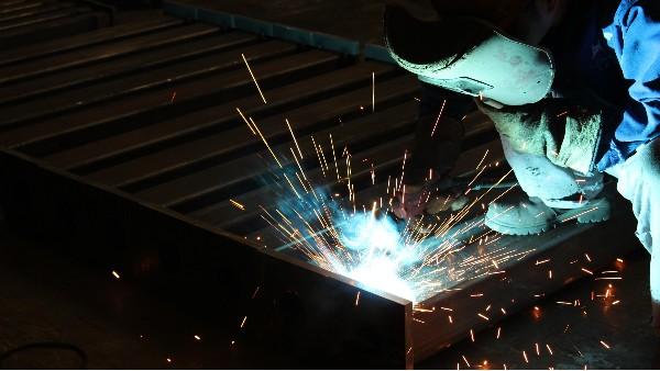 如何有效预防不锈钢焊接变形?